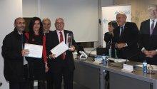 1r premi: \'CAPI Barcelona Esquerra: passat, present i futur. Una experiència innovadora de gestió assistencial en pediatria\'