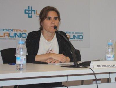 Natalia Reguer (dins)